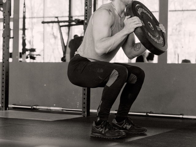 squats with barbell weight