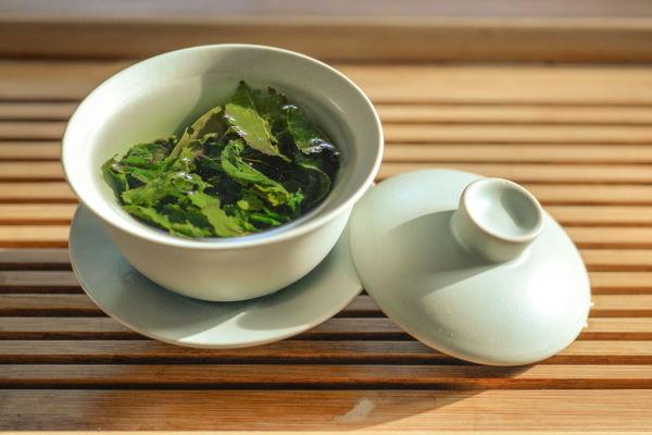 green tea in cup